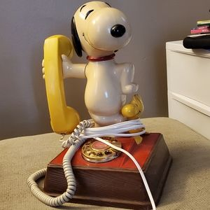 Vntg Snoopy telephone